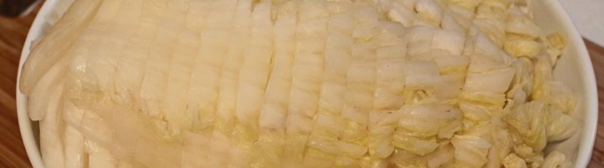 [方媽媽食譜] 天然、自然發酵 - 自己醃製酸菜白肉鍋